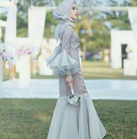 5-Inspirasi-Fashion-Kebaya-Modern-Ala-Selebgram-Berhijab